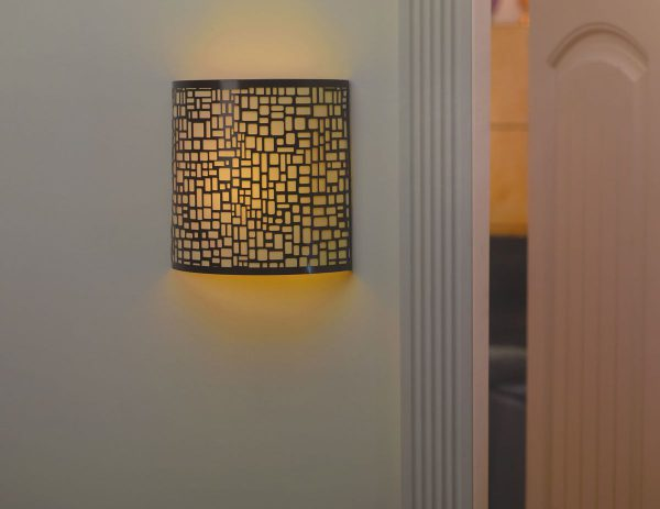 IEL-2901 - London Barrel Sconce - Amber light